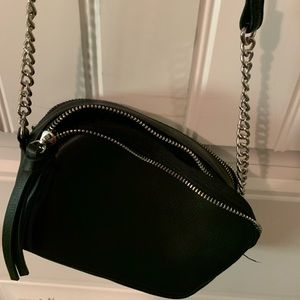 Shoulder Bag w / Chain and Leather Strap!